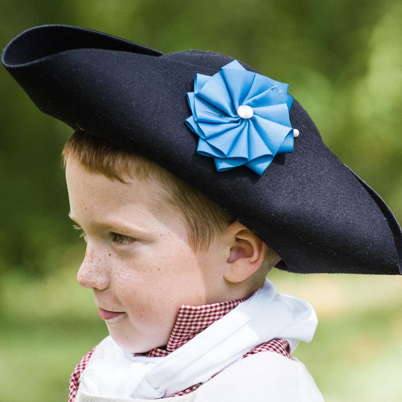 Child s or Ladies Black Felt Tricorn Hat 18th Century  d170bb9c25a