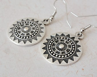 Silver plated mandala earrings, round earrings, geometric mandala, ethnic silver earrings, ethnic mandala jewelry, antique sequin earrings