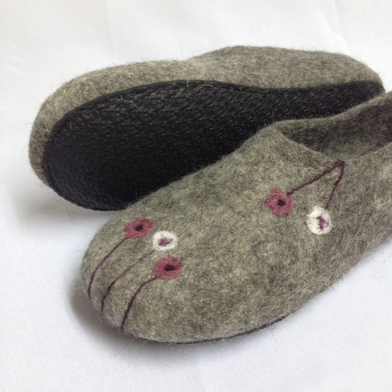 gift day slippers womens slippers felted shoes Vegan Mothers wool Felted House clogs shoes Gray wool Organic TZFwWnSqq