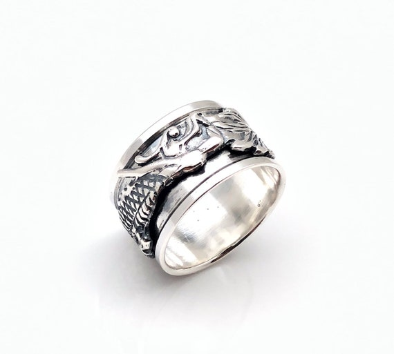 Dragon spin ring