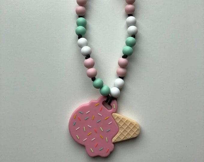 On The Go Ice cream teether- Pink