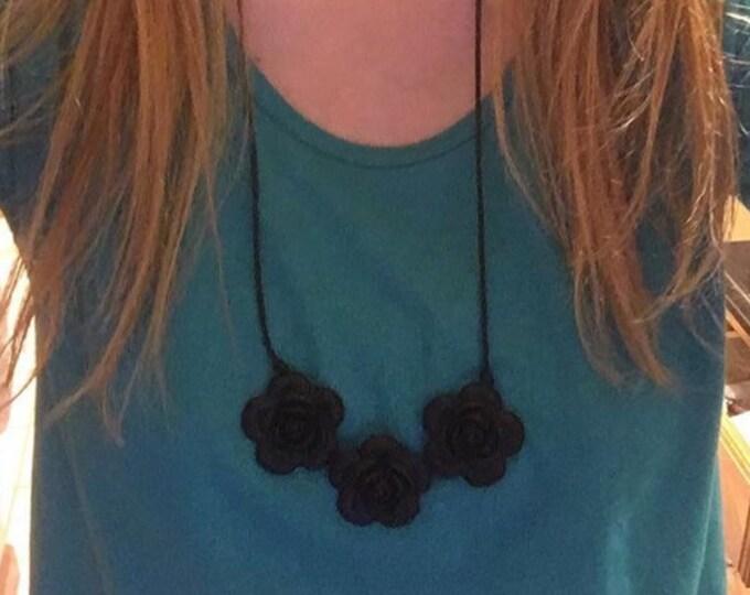 Black flower bead teething necklace