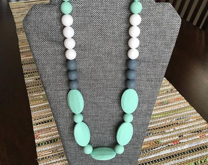 Color block multi bead necklace