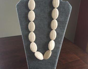 Chic necklace in Sand