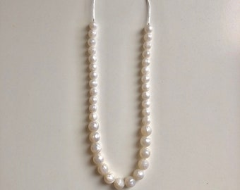Stella necklace in Pearl