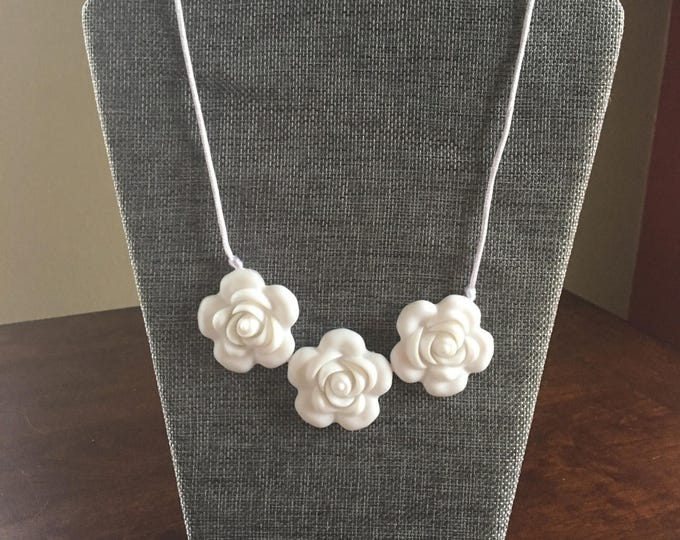White flower bead teething necklace