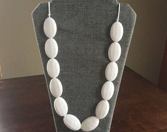Chic necklace in White