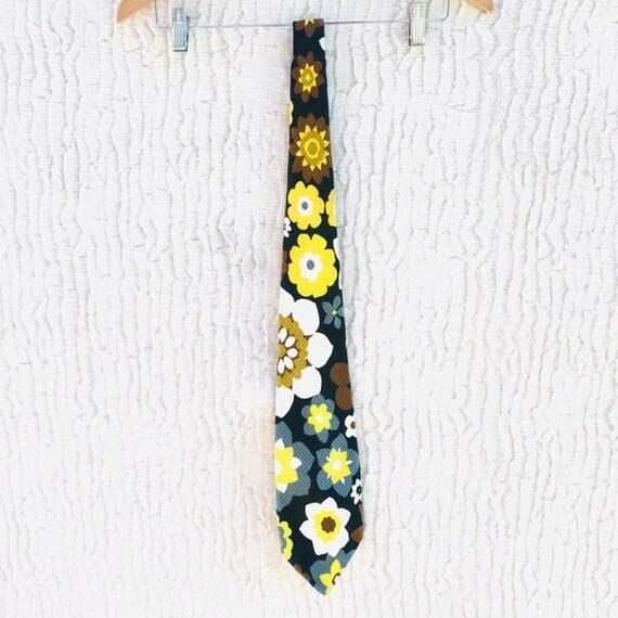 Authentic Vintage 1970s Tie