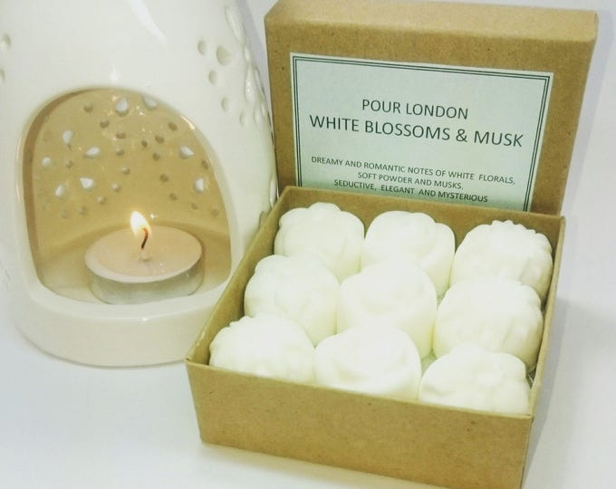 White Blossoms and Musk Scented Soy wax melts x9