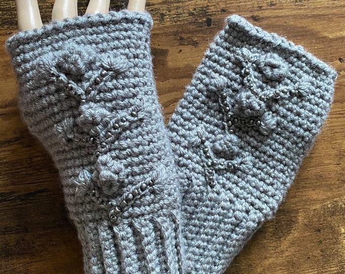 FREE Shipping Fingerless Handmade Crochet Knit Gloves Mittens Wristwarmers Handwarmers Mits Cute Boho Gray