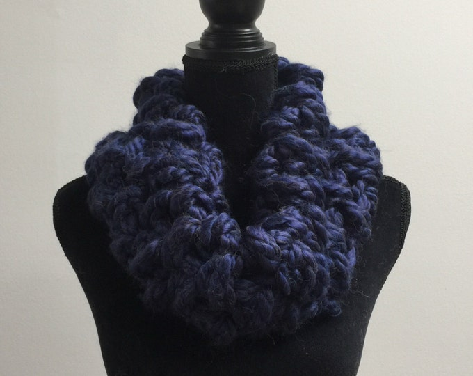 Handmade Scarf Cowl Bulky Warm Soft Wool Blend Brown Large Oversized Textured Thick Infinity Dark Navy Blue