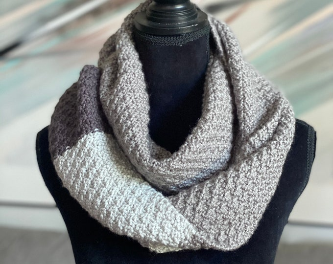 Handmade Scarf Cowl Bulky Warm Acrylic Brown Large Oversized Textured Thick Infinity Crochet Knit Stripes Boho Chic Gray