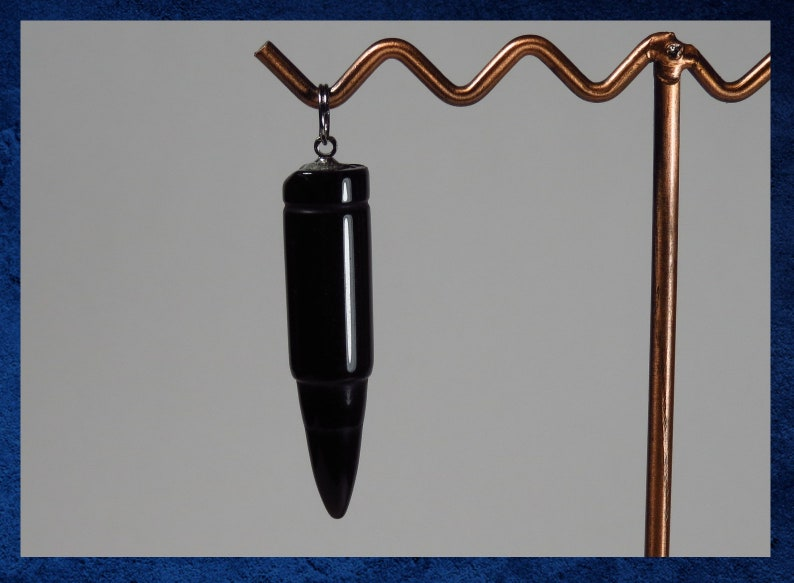 #GPEN-191 Black Large bullet-cut pendant with natural gemstone and silver accent Agate