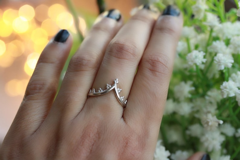 Art Deco simple wedding band Victorian Crown ring wishbone ring stackable crown ring 925 sterling silver triple dots chevron ring
