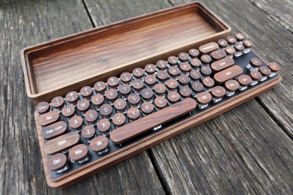 Wooden Keyboard With Retro Typewriter Keycaps