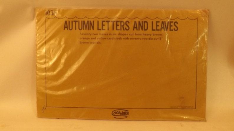 144 Vintage Autumn /& Leaves Classroom Decor by Scholar 1972 NOS Teaching Aid T-209-18