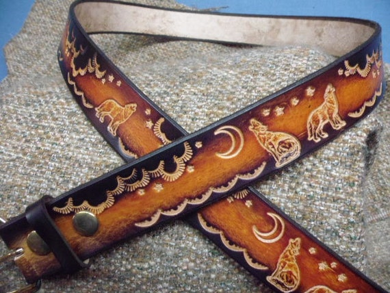 CUSTOM MADE GENUINE LEATHER BELT BROWN// NAME AND HOWLING WOLF  1 1//2/'/' WIDTH