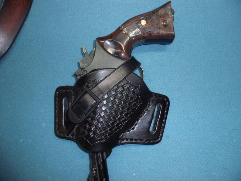 LEFT HANDED 357 REVOLVER Leather Holster with Basket  Weave   Springfield,Colt,Smith-Wesson,Ruger, etc     Handmade for your Gun!