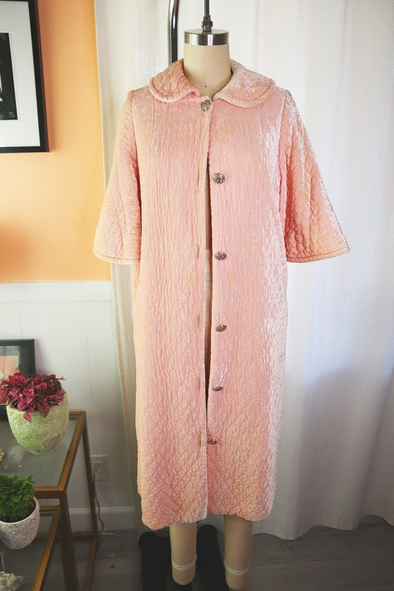 1950s Saks Fifth Avenue Peach Velvet Quilted Jacke