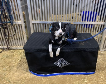 Customized Tack Trunk Cover with Zipper