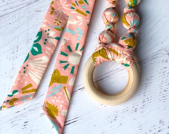 Succulent baby shower gift - Organic teething necklace - Boho mom gift - Wood teething ring - Breastfeeding necklace - Wood teether - Eco