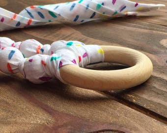 Rainbow teething necklace - Rainbow baby shower - Organic teething necklace for mom - Fabric teething necklace - Nursing necklace - Teether
