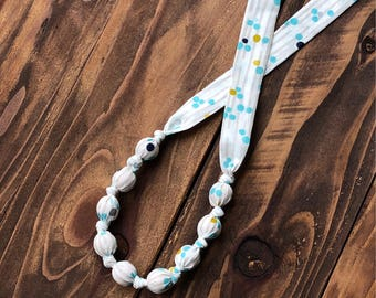 Nursing necklace - Breastfeeding necklace - Teething necklace - Wood teething beads - Gift for one year old - Gift for new mommy - Teether