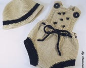 Retro baby romper size 0-3 months romper in beige and black cotton, vintage Hat crocheted in beige and black cotton