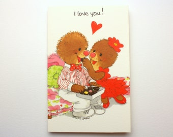"""Vintage 1992 Suzy's Zoo """"I love you!"""" Greeting Card w/ Emily & Ollie Marmot by Suzy Spafford - Printed in the U.S.A."""
