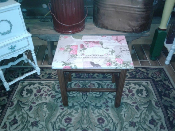 Miraculous Antique Wooden Table Or Vanity Bench Or Piano Stool Just Sweet As A Button Unemploymentrelief Wooden Chair Designs For Living Room Unemploymentrelieforg