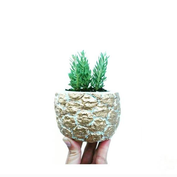 Pineapple Planter/Gold Pineapple/Pineapple Lover/Succulent Planter/Pineapple Decor/Concrete Planter/Housewarming Gift/Metallic Pineapple