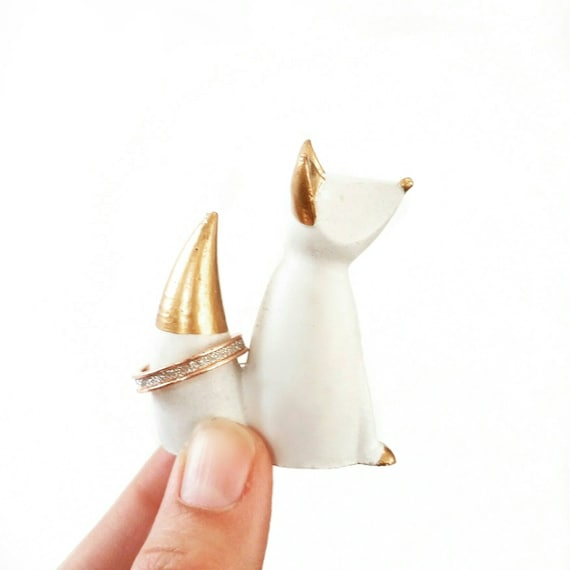 Fox Ring Cone, Fox Ring Holder, Fox Decor, Jewelry Display, Fox, Jewelry Dish, Ring Dish, Ring Cone, Concrete Fox, Statue