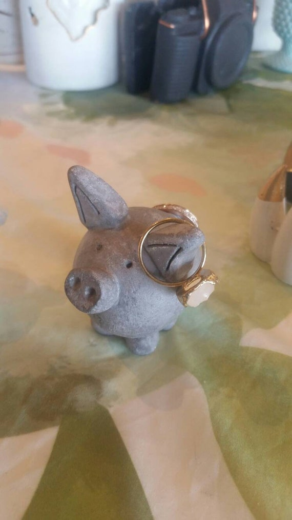 Pig Ring Holder/ Concrete Pig/Pig Statue/Mini Pig/Pet lover gift/