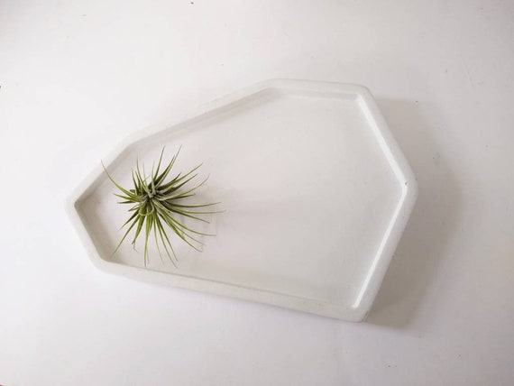White Concrete Tray/Ring  holder/key tray/Air Plant Holder/bathroom tray/Home Decor/Office Decor/Housewarming Gift/soap dish/
