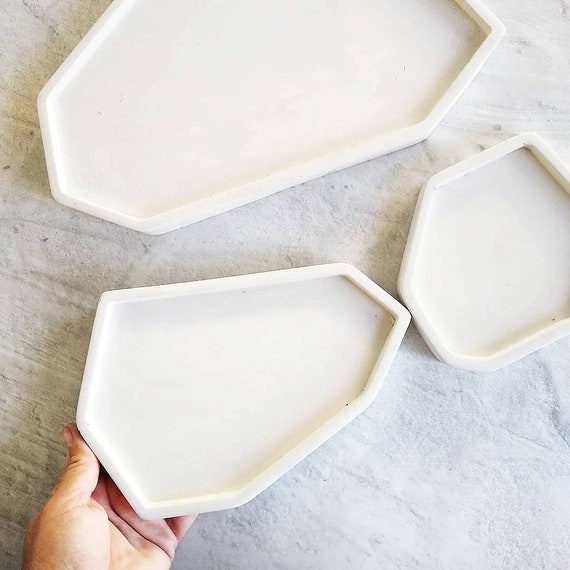 White Concrete Tray/Ring holder/key tray/Air Plant Holder/bathroom tray/Home Decor/Office Decor/Housewarming/soap dish/mail tray/catch-all
