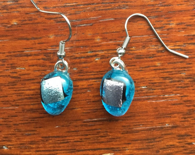 Vibrant, turquoise blue, fused glass, silver dichroic, teardrops. Different and very aesthetic earrings