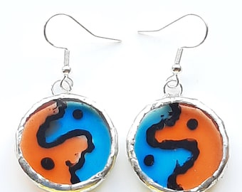 Yin and yang like earrings in kingfisher colours. Unique round, hand painted, drop earrings.