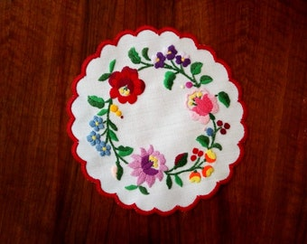 "Hand made 6"" round doily with flowers, Hungarian embroidered table topper"