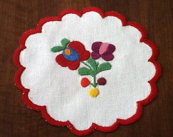 """Hungarian 5.5"""" hand-embroidered doily, table coaster. Traditional Matyo pattern."""