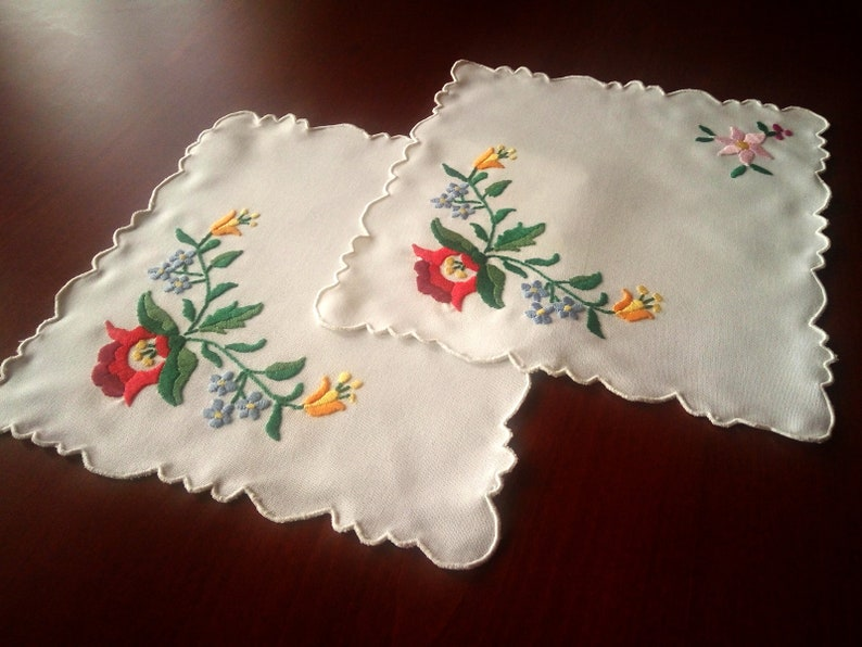 Hand embroidered Kalocsai motif Classic men tie Hungarian embroidered tie Hungarian folk