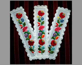 Hand embroidered Bookmark with Kalocsa embroidery