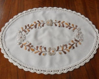 """14"""" Hungarian (Matyo) hand-embroidered small oval doily, table decoration"""