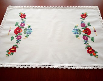 Hungarian hand-embroidered small tablecloth. Authentical Kalocsa-style table runner
