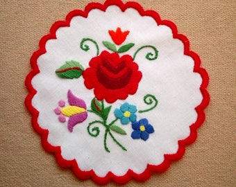 "Hand embroidered 6"" Kalocsa doily, coaster, Hungarian table ornament"