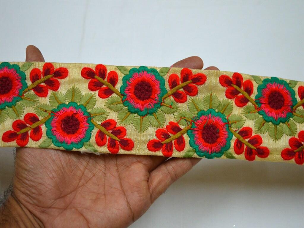 En gros broderie rouge Saree Craft Passementerie Rubans Indiens Indiens Indiens Laces Sari Bordure Tissu Garniture De 9 Cour De Soie Ruban Brodé Dentell 6ab825