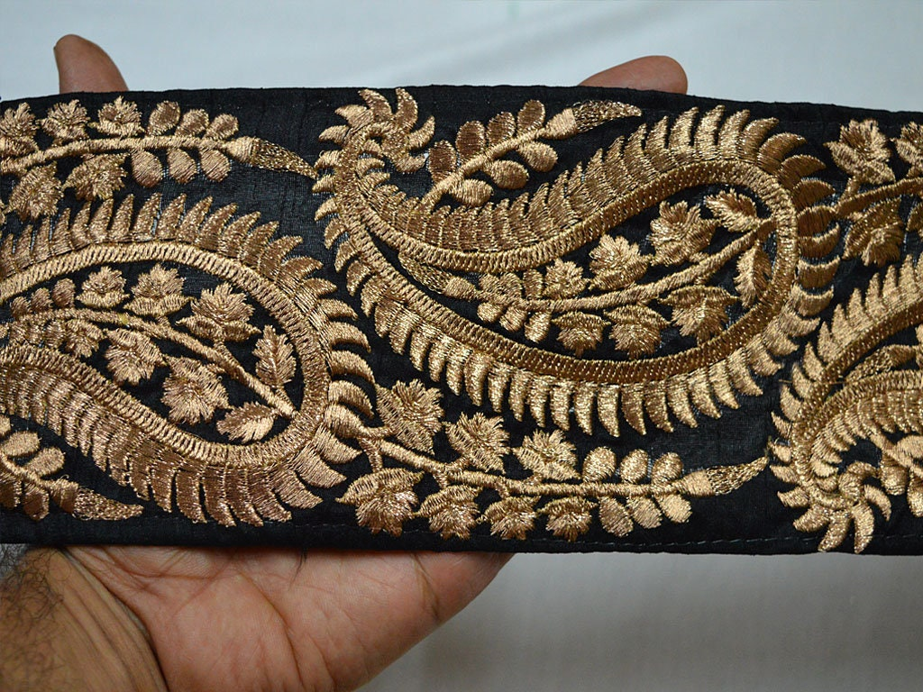 En gros noir garniture brodé brodé brodé saree garniture fil d'or travail de soie sari bordures garniture par 9 Yard art tissu couette garniture artis b840cd