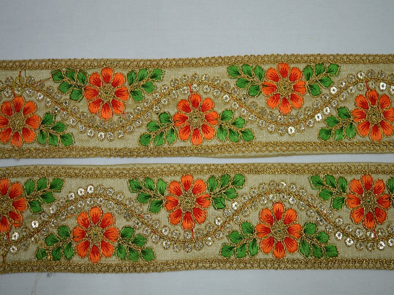 Wholesale Beige Indian Laces and Trims Saree Border Fabric Trim By 9 Yard Embroidered Wholesale Ribbon Indian Sari Border Crafting Sewing