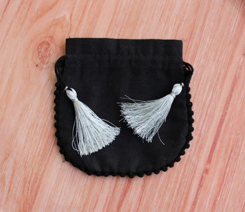 custom logo pouches jewelry pouches coin pouches hand bags gift bags 100 BLACK cotton fabric pouch with tassel