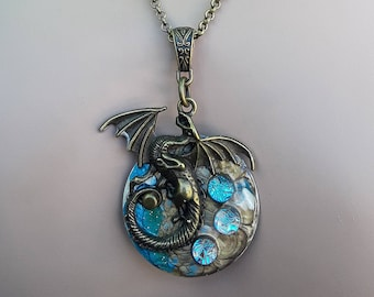 Steampunk Dragon Necklace, Dragon Necklace, Steampunk Jewelry, Dragon Jewelry, Mother of Dragons, Game Of Thrones Jewelry, Dichroic Glass