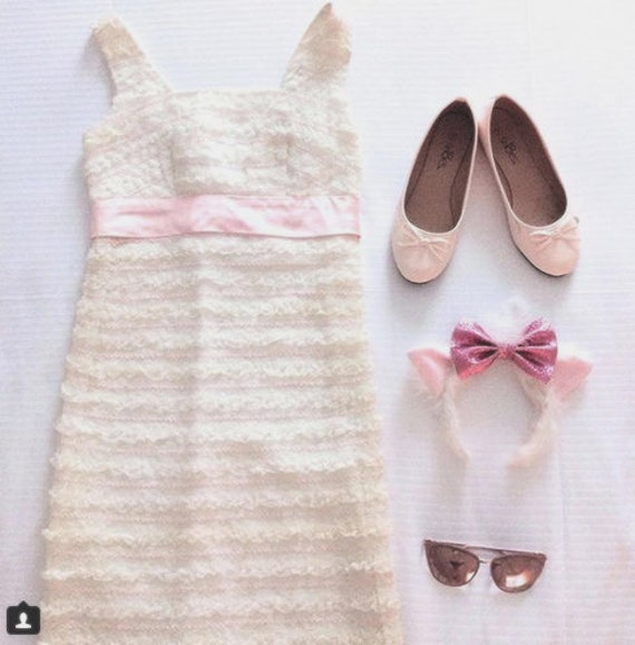 50a4b60b95b13 Marie Aristocats Disneybound Dapper Day 1950s 50s 1950 1960s 60 60s White  Pink Ruffle Lace Wiggle Dress